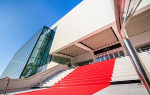 Entrée du palais des festivals à Cannes